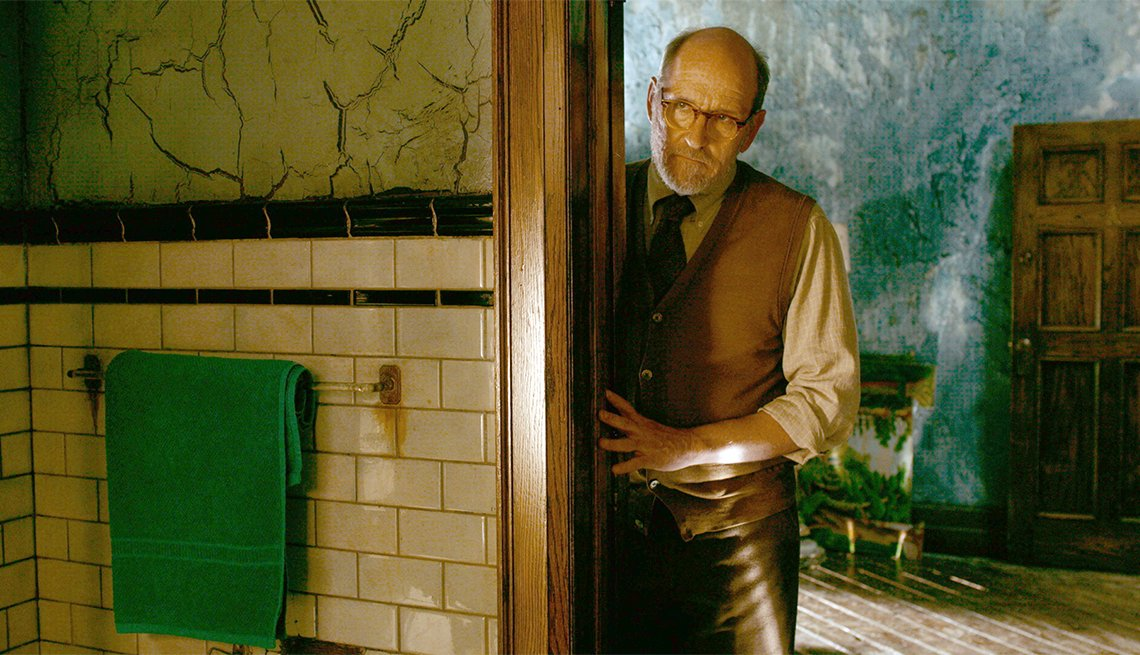 "item 8, Gallery image. Richard Jenkins as Giles in the ""The Shape of Water"""