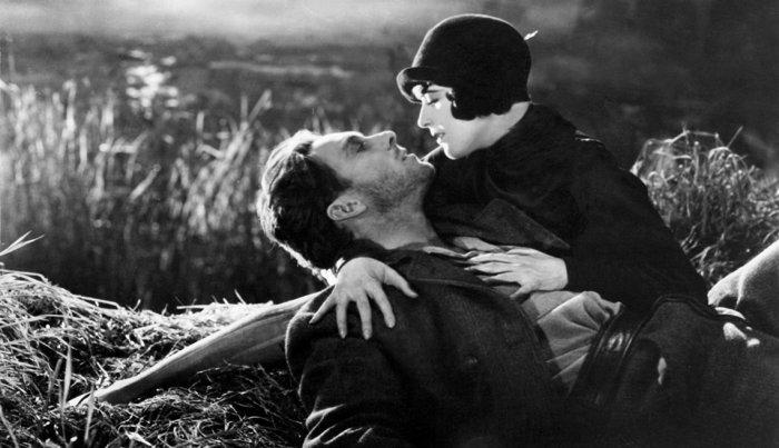 جورج أو برين ومارجريت ليفينجستون في فيلم Sunrise