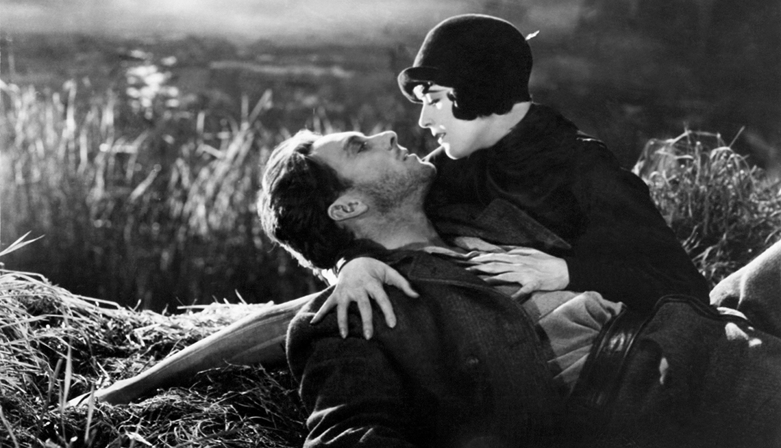 George O Brien and Margaret Livingston in the film 'Sunrise'