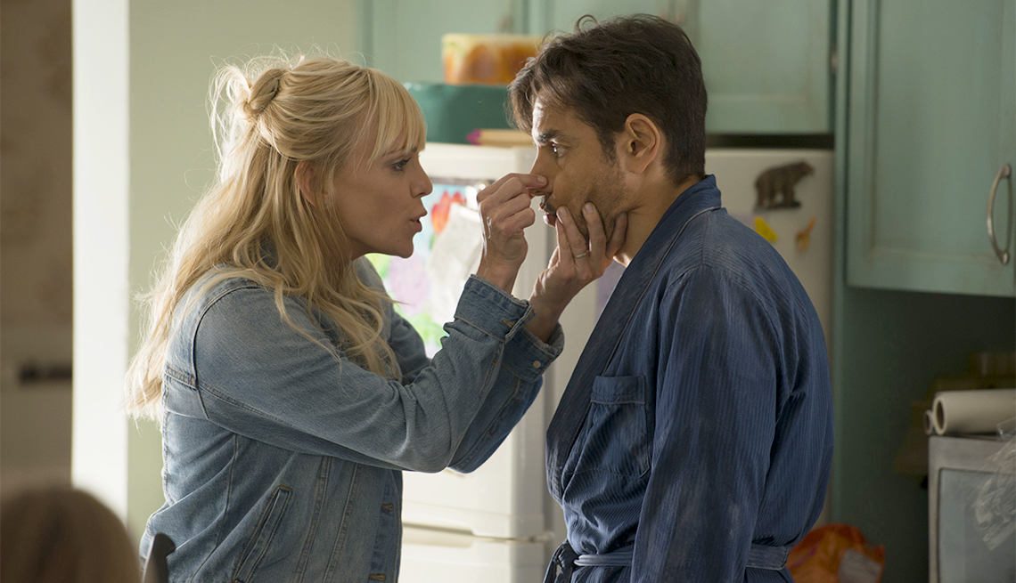 item 8 of Gallery image - Anna Faris as Kate and Eugenio Derbez as Leonardo in Overboard.