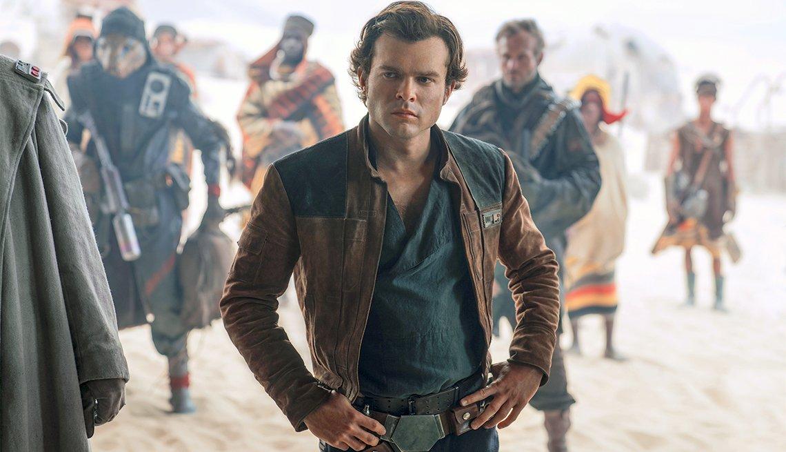 Alden Ehrenreich como Han Solo en SOLO: A STAR WARS STORY.
