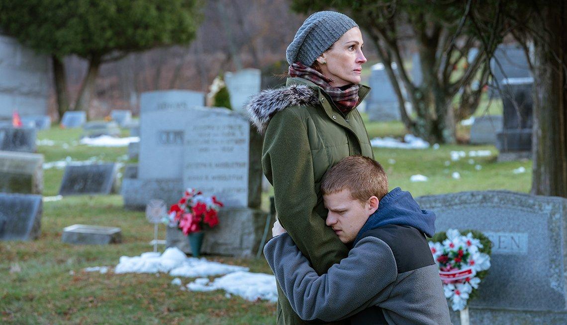 Julia Roberts, Lucas Hedges in Ben is Back