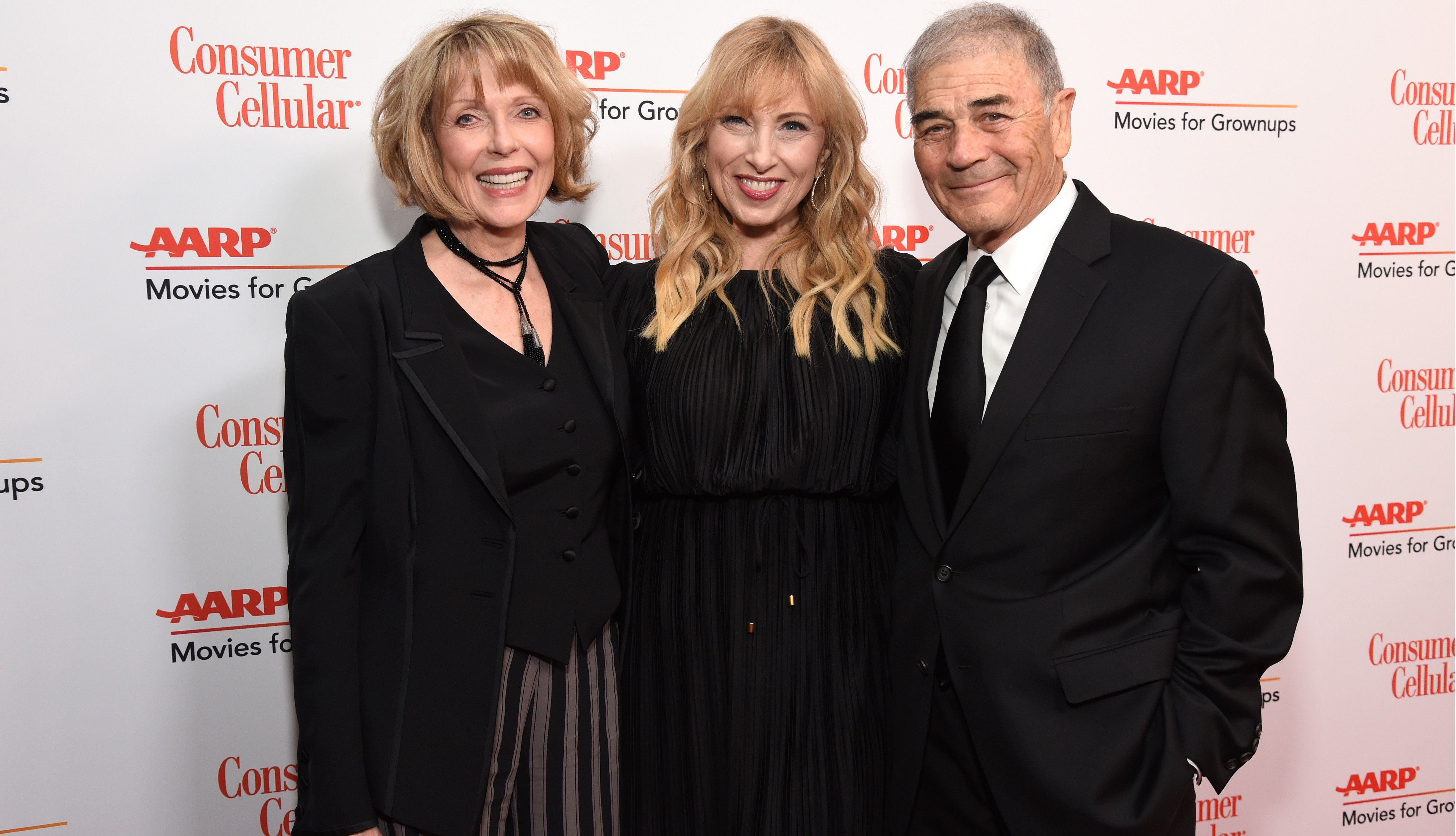 Susan Blakely, Denise Grayson, and Robert Forster
