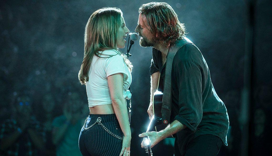"""item 14 of Gallery image - Lady Gaga y Bradley Cooper en una escena de """"A Star Is Born"""""""