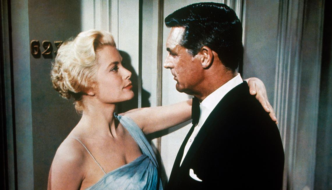 item 8 of Gallery image - Grace Kelly y Gary Cooper en una escena de 'To Catch a Thief'.