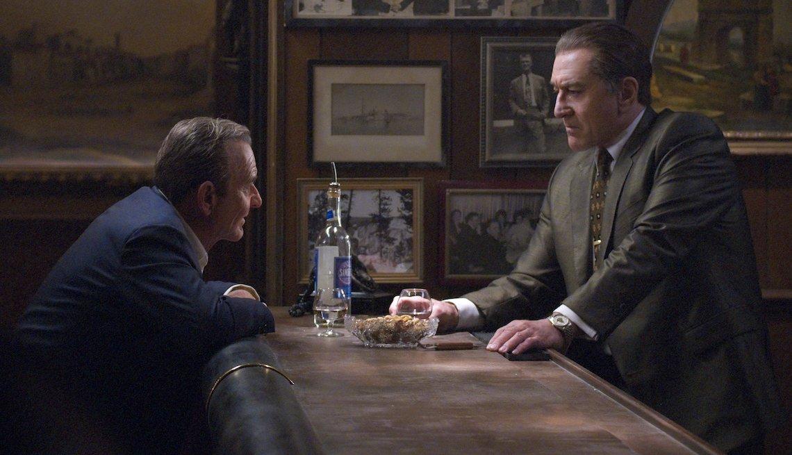 Joe Pesci (Russell Bufalino) y Robert De Niro (Frank Sheeran) en una escena de 'The Irishman.'