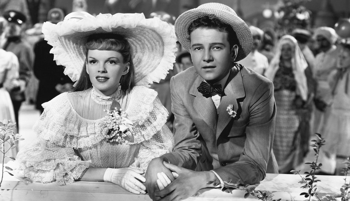 item 4 of Gallery image - Judy Garland as Esther Smith and Tom Drake as John Truett in the 1944 musical film Meet Me in St. Louis.