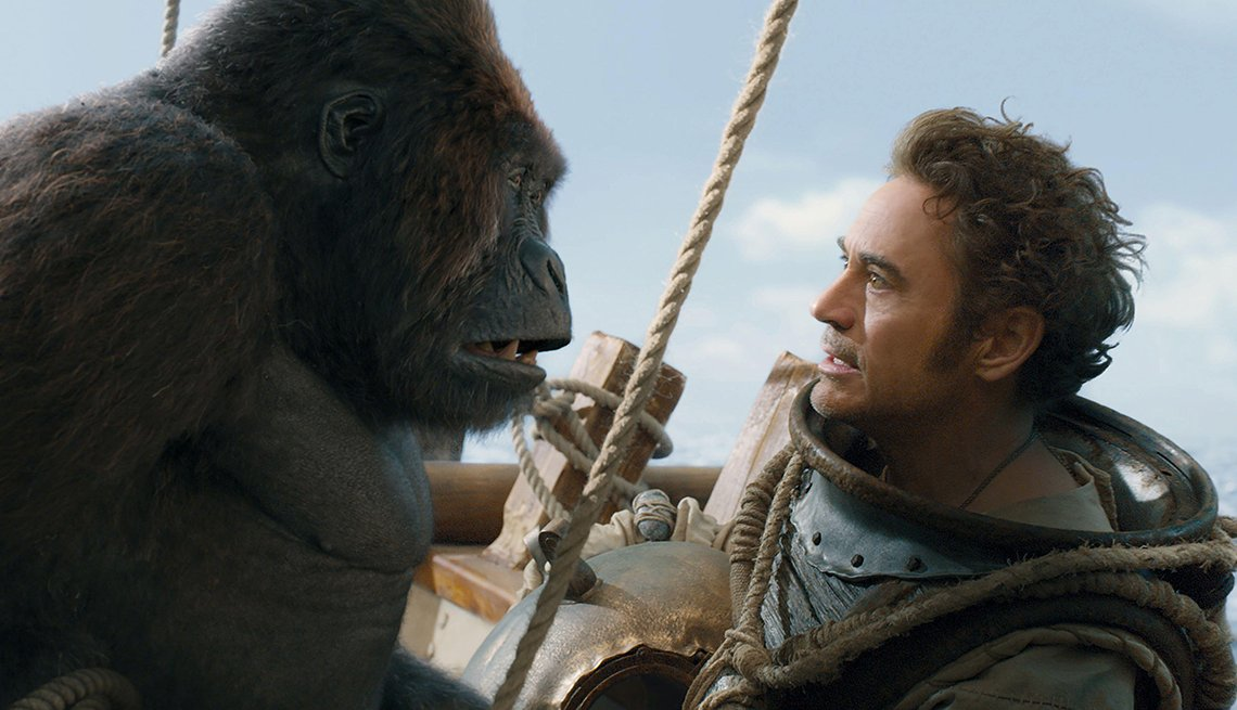 Robert Downey Junior speaks with a gorilla in the film Dolittle