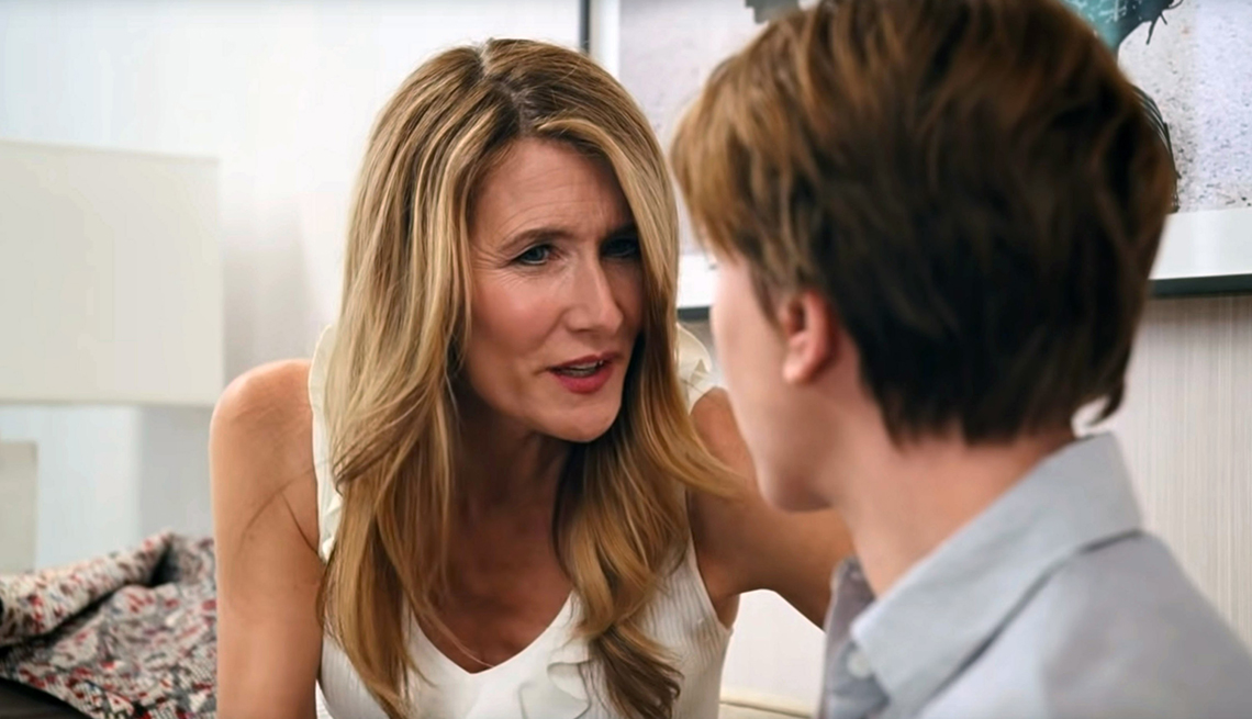 item 5 of Gallery image - Laura Dern speaking with Scarlett Johansson in Marriage Story
