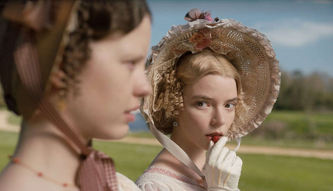 Mia Goth as Harriet Smith and Anya Taylor-Joy as Emma Woodhouse in the film Emma