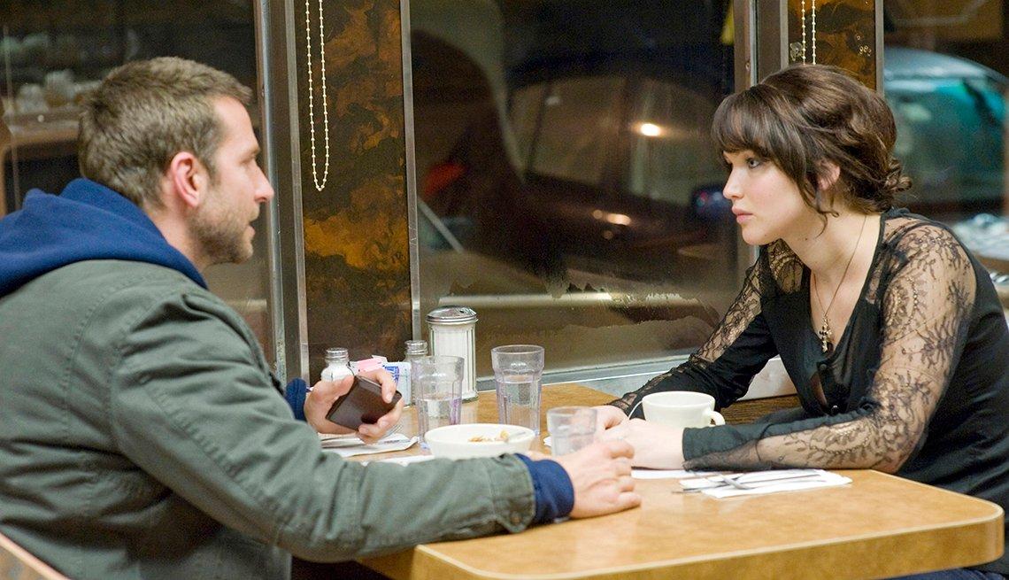 Bradley Cooper y Jennifer Lawrence en una escena de Silver Linings Playbook