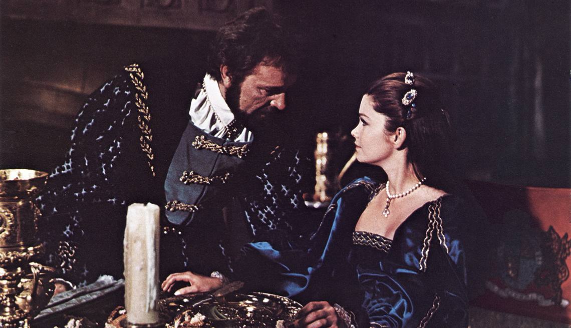 Richard Burton and Genevieve Bujold in a scene from the film Anne of the Thousand Days