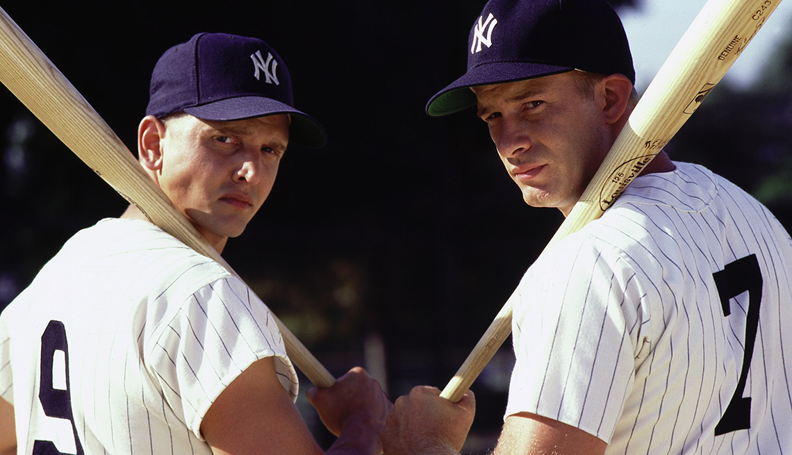 Barry Pepper as Roger Maris and Thomas Jane as Mickey Mantle in the film 61
