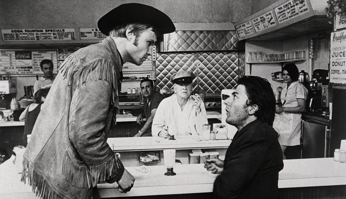 Jon Voight y Dustin Hoffman en una escena de Midnight Cowboy