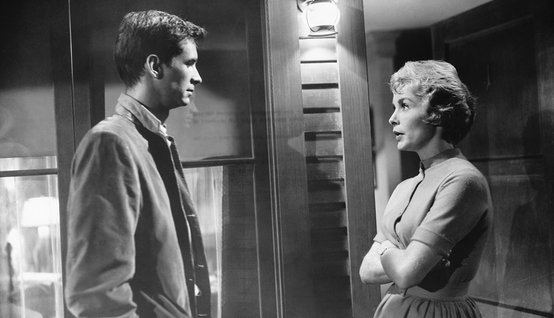 Anthony Perkins speaks to Janet Leigh in a scene from the film Psycho
