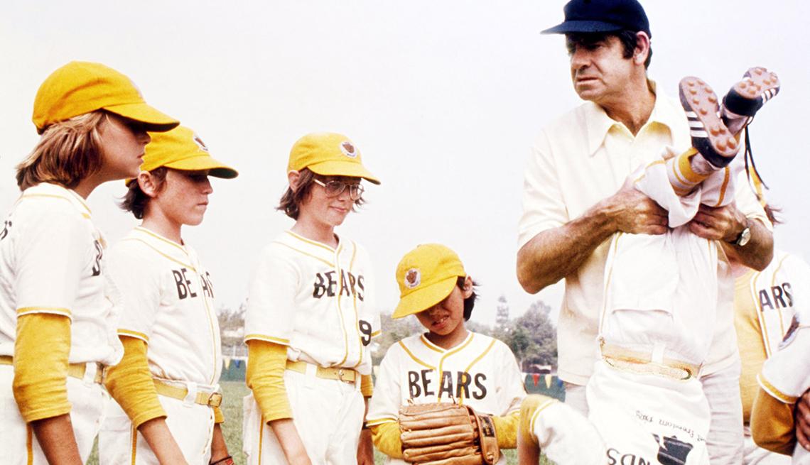 Tatum O'Neal y Walter Matthau en The Bad News Bears