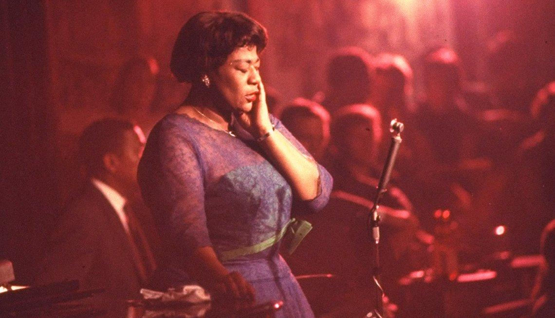Ella Fitzgerald en una presentación en el club nocturno Mister Kellys