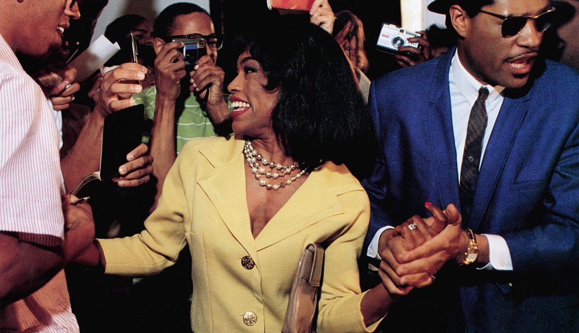 Angela Bassett stars as Tina Turner in Whats Love Got to Do with It