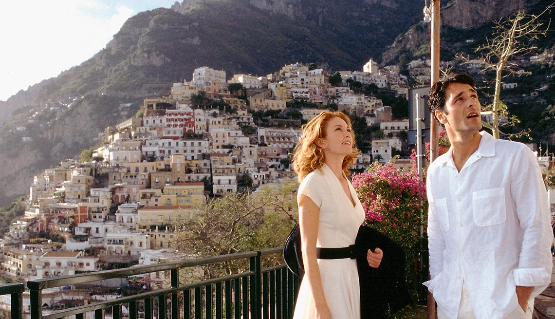 Diane Lane y Raoul Bova en una escena de Under the Tuscan Sun