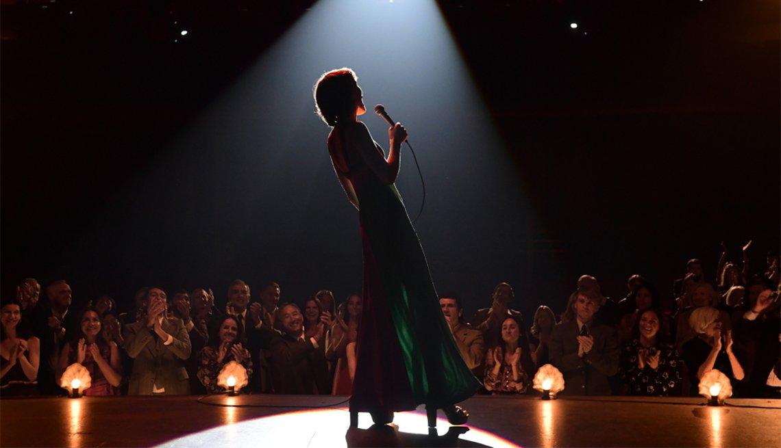 Tilda Cobham-Hervey como Helen Reddy en una escena de I Am Woman