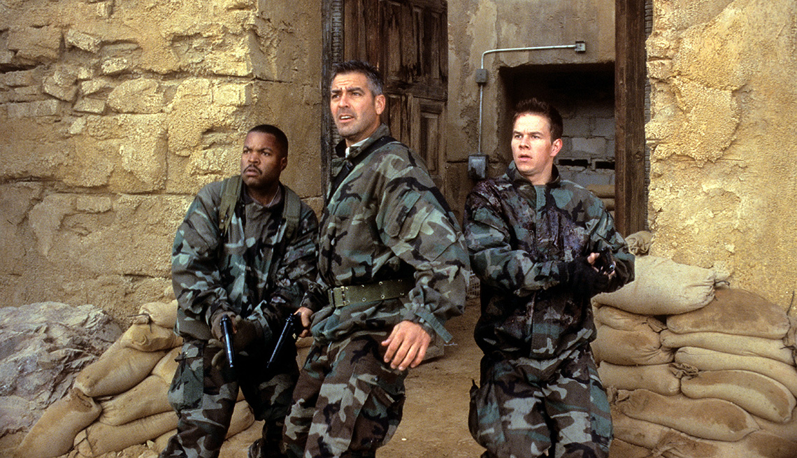 item 5 of Gallery image - Ice Cube, George Clooney and Mark Wahlberg in a scene from the film Three Kings
