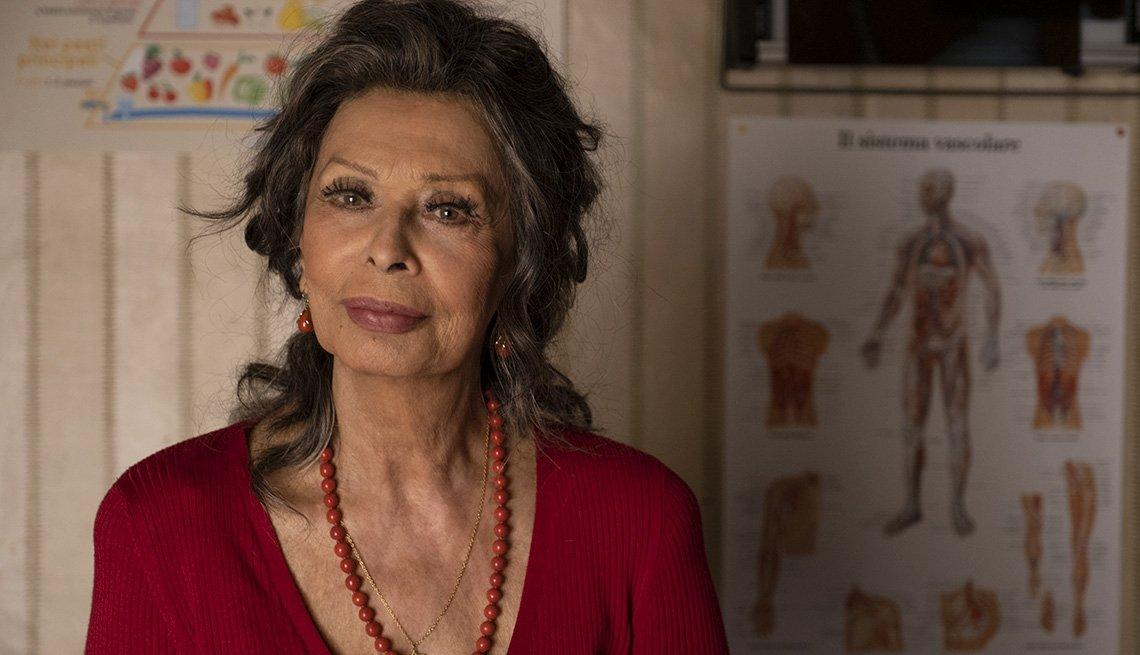 item 4 of Gallery image - Sophia Loren en una escena de The Life Ahead