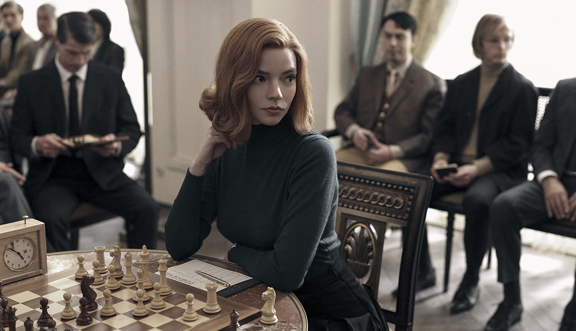 item 20 of Gallery image - Anya Taylor-Joy en una escena de la miniserie The Queen's Gambit