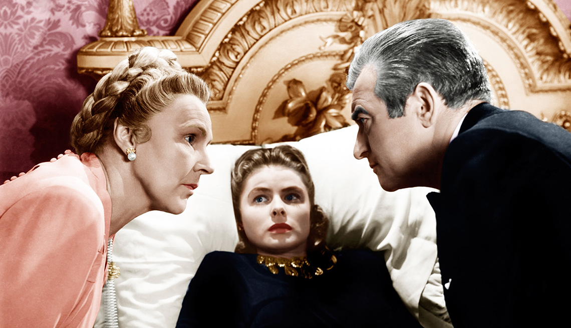 Leopoldine Konstantin, Ingrid Bergman and Claude Rains in a scene from the film Notorious