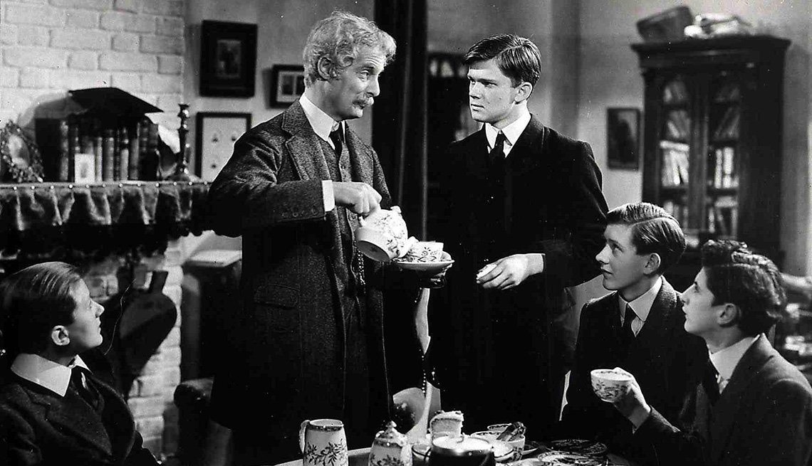 "Robert Donat en la película ""Goodbye Mr. Chips""."