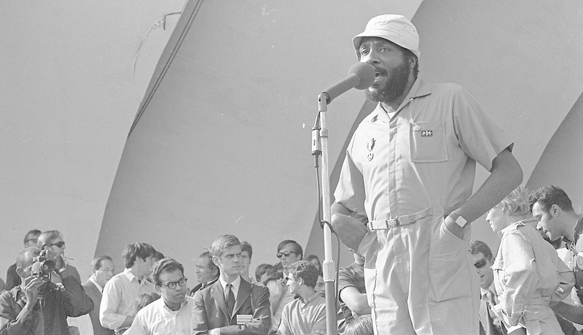 Activist and comedian Dick Gregory speaks to the crowd protesting in Grant Park during the Democratic National Convention in Chicago in 1968