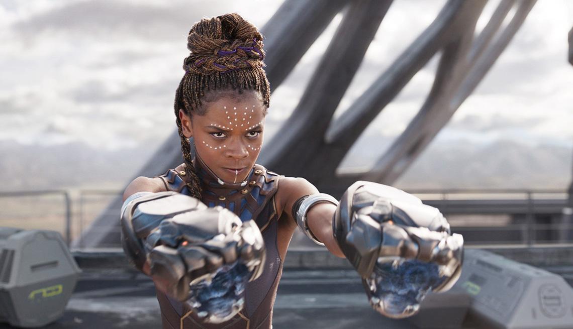 "Letitia Wright como Shuri en ""Black Panther""."