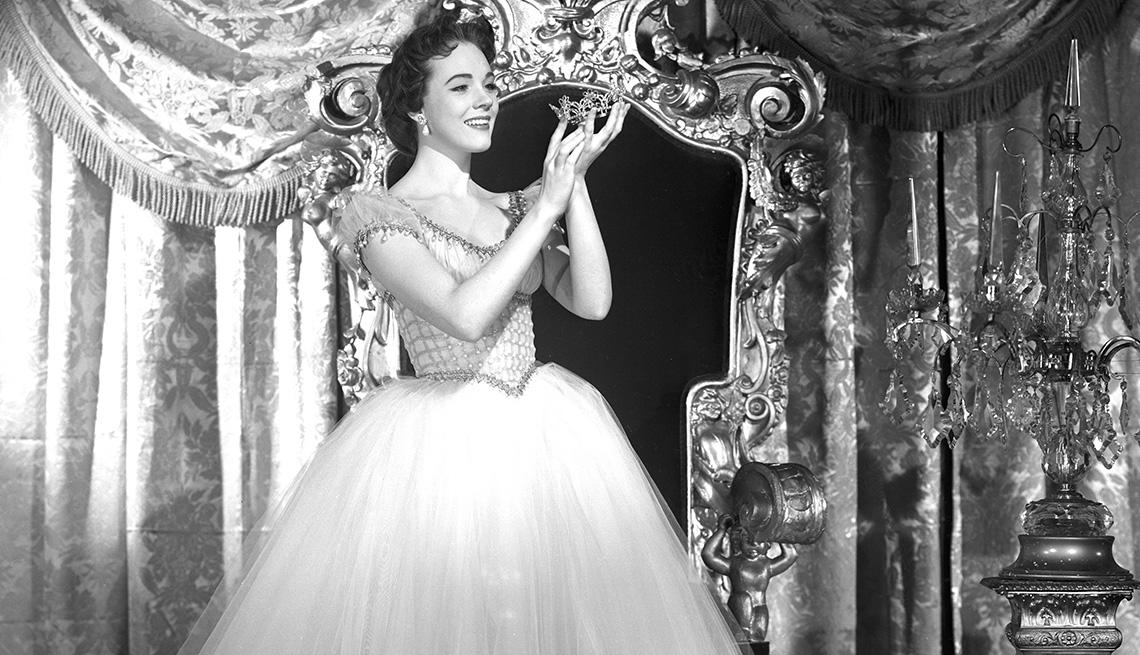 Julie Andrews como Cinderella.