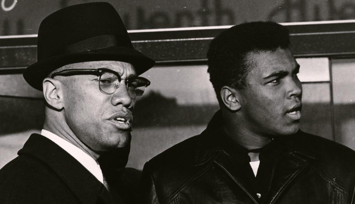 Malcolm X (izquerda) y Muhammad Ali.