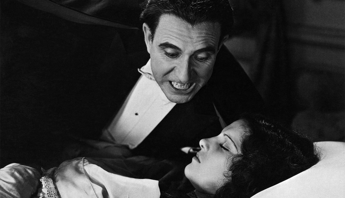 scene from the nineteen thirty one film dracula