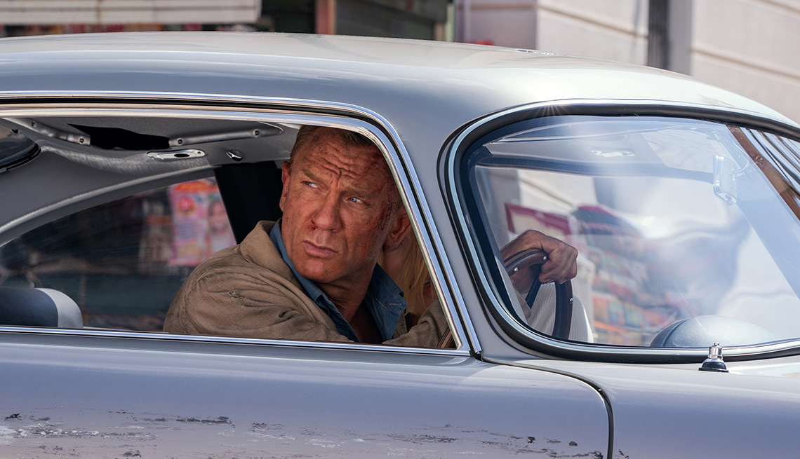 "Daniel Craig como James Bond en ""No Time to Die""."