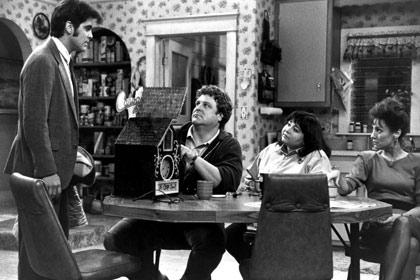 ROSEANNE, George Clooney, John Goodman, Roseanne, Laurie Metcalf, 1988-1997, Canoga Time, 1988