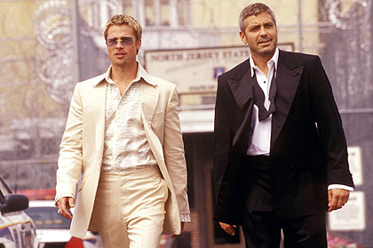 OCEANS ELEVEN, from left: Brad Pitt, George Clooney, 2001