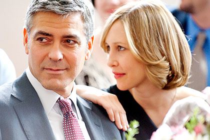 UP IN THE AIR, from left: George Clooney, Vera Farmiga, 2009