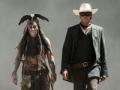 Johnny Depp como Tonto y Armie Hammer como El Llanero Solitario en la película The Lone Ranger
