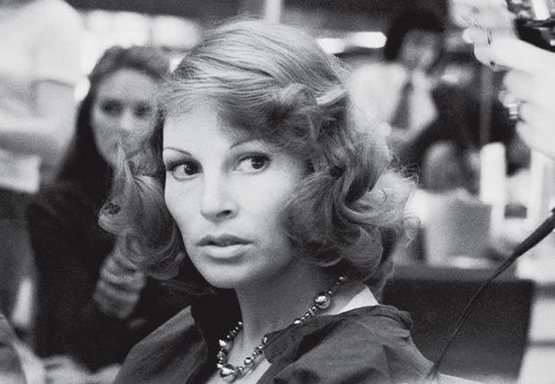 Raquel Welch en Paris Francia en Noviembre, 1974