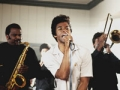 Chadwick Boseman como James Brown en la pelicula Get On Up.