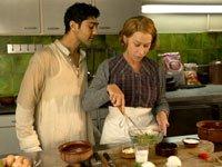 Manish Dayal y Helen Mirren protagonizan la película The Hundred-Foot Journey