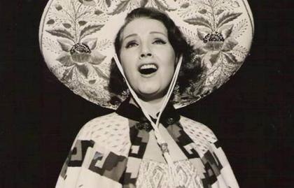 Libertad Lamarque canta canciones de María Grever