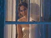 Jennifer López en una escena de la película The Boy Next Door