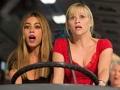 Sofía Vergara y Reese Witherspoon en una escena de la película Hot Pursuit.
