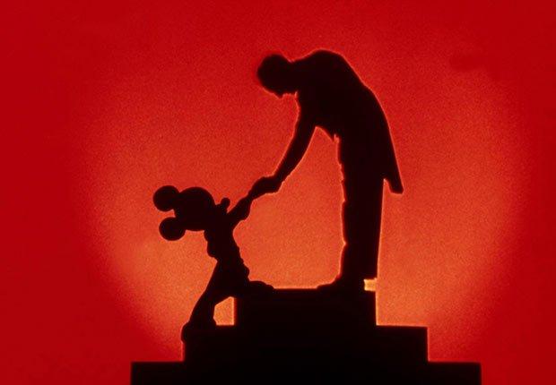 Escena de Fantasia - La carrera de Walt Disney