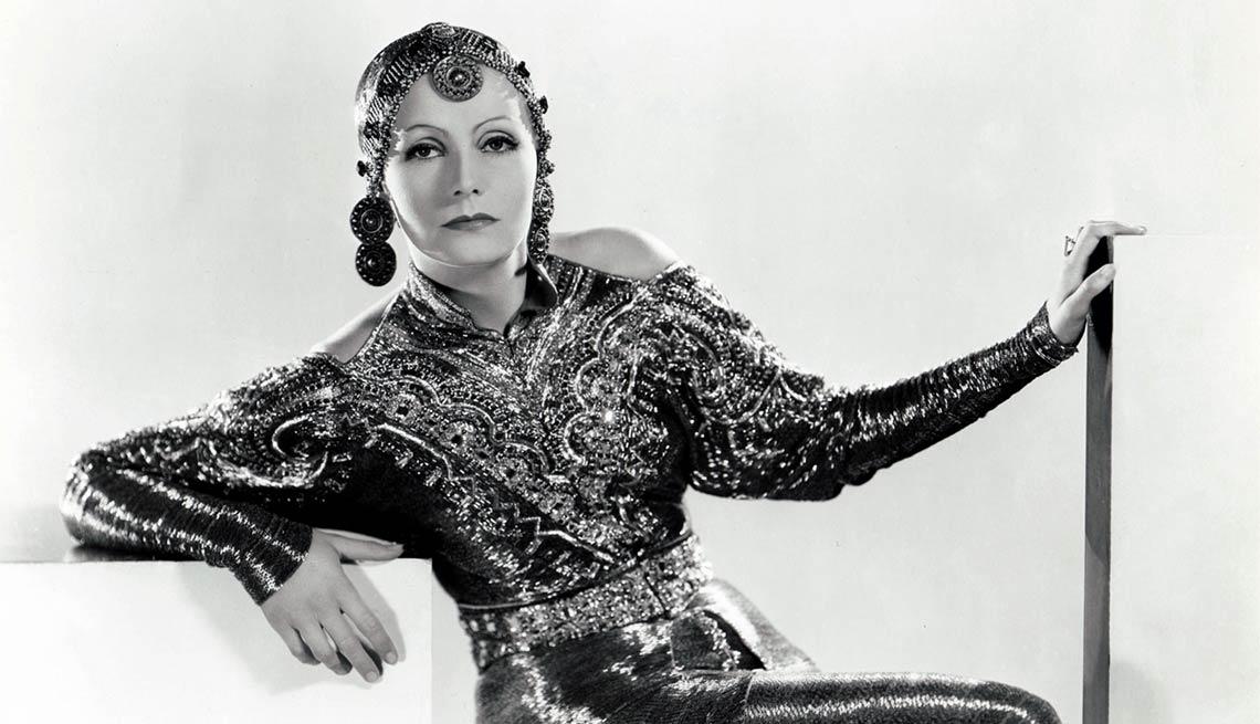 Greta Garbo en Mata Hari - Greta Garbo, recuento de su carrera en imágenes