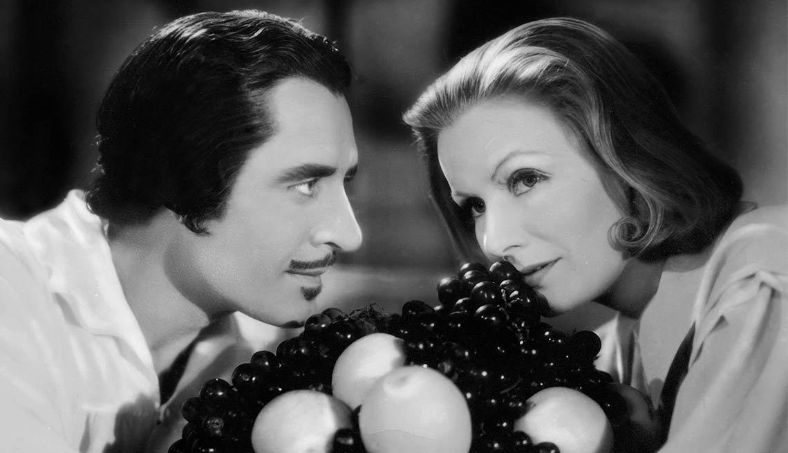 Greta Garbo en Queen Christina - Greta Garbo, recuento de su carrera en imágenes