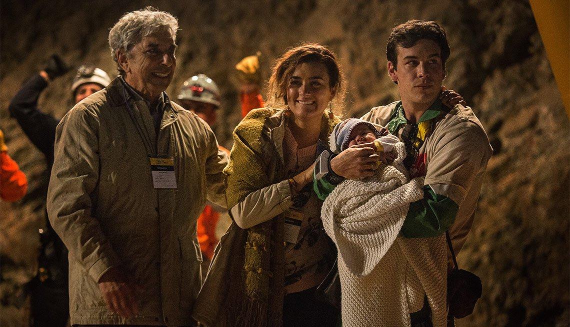 El actor Mario Casas como Alex Vega en la película Los 33 - 5 años después del rescate de los 33 mineros chilenos