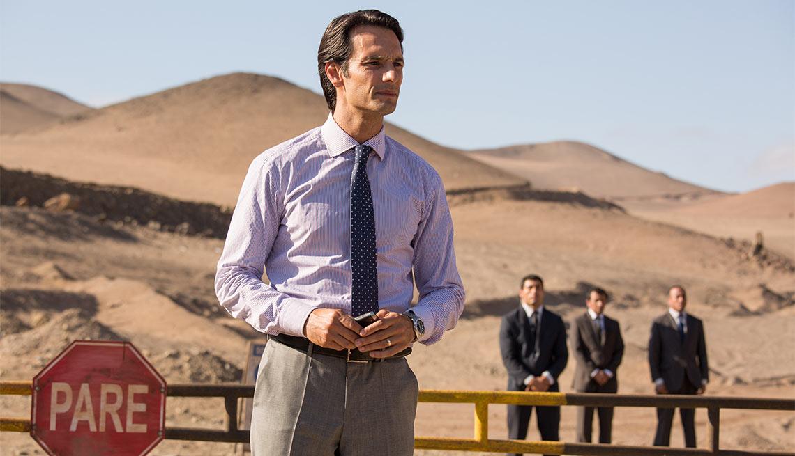 Rodrigo Santoro como Laurence Golborne en Los 33 - 5 años después del rescate de los 33 mineros chilenos
